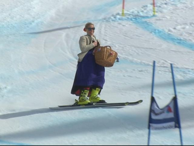 Denise Karbon si ritira, scia vestita da Tirolese e regala Krapfen