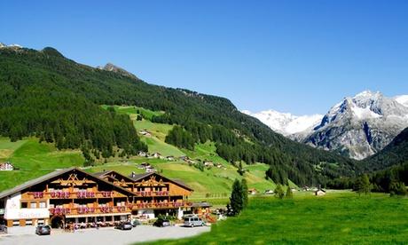 Valle Aurina: Fino a 7 notti per 1 persona in mezza pensione, spa ed una escursione opzionale all'Hotel Bacher
